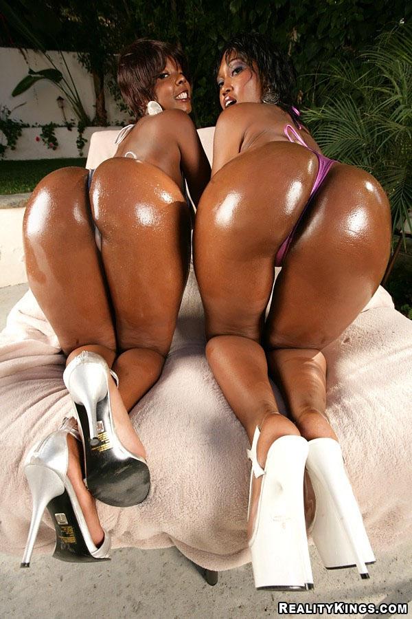 Lubed Big Butt Delotta & Friend